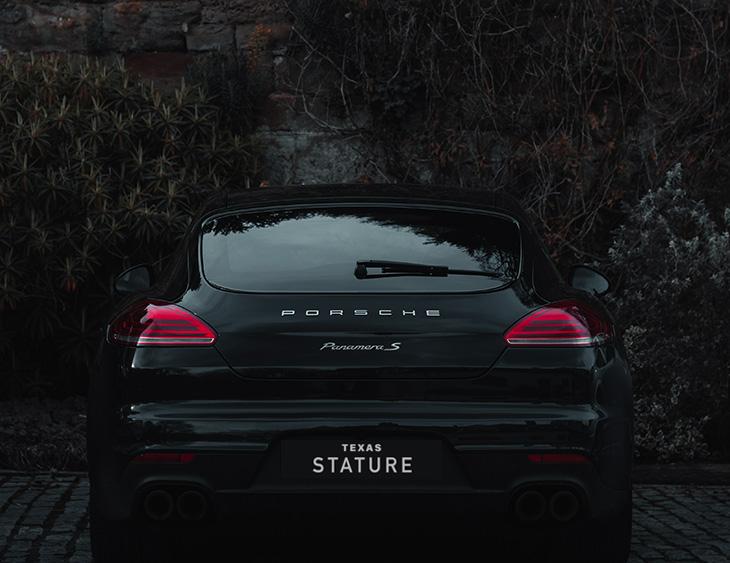 Stature Porsche
