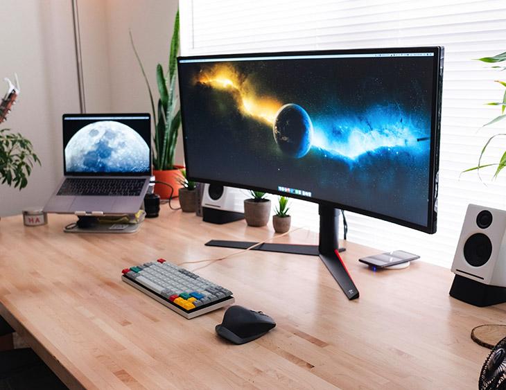 Website Design Computer Desktop